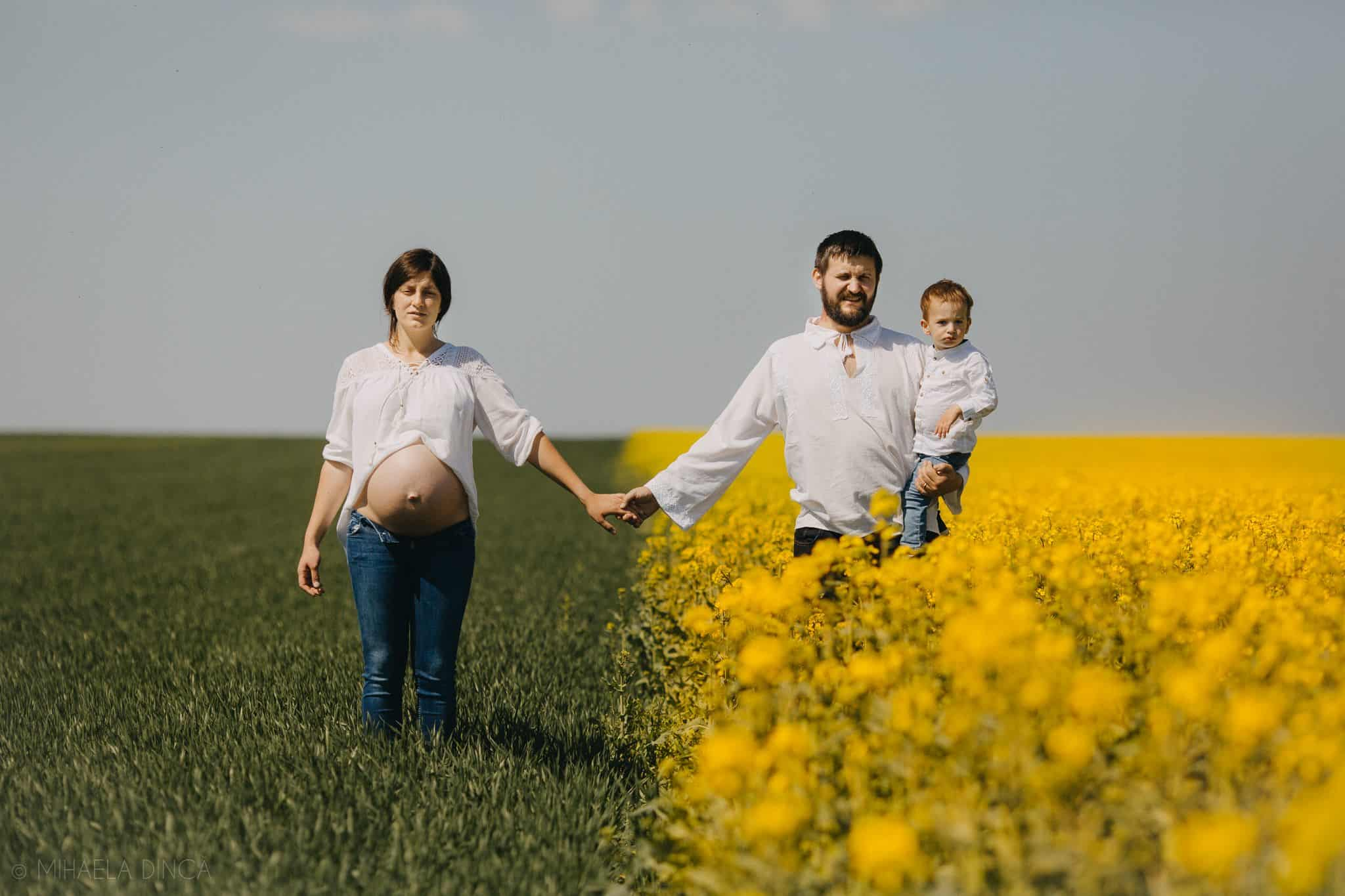 Family Photos in a field