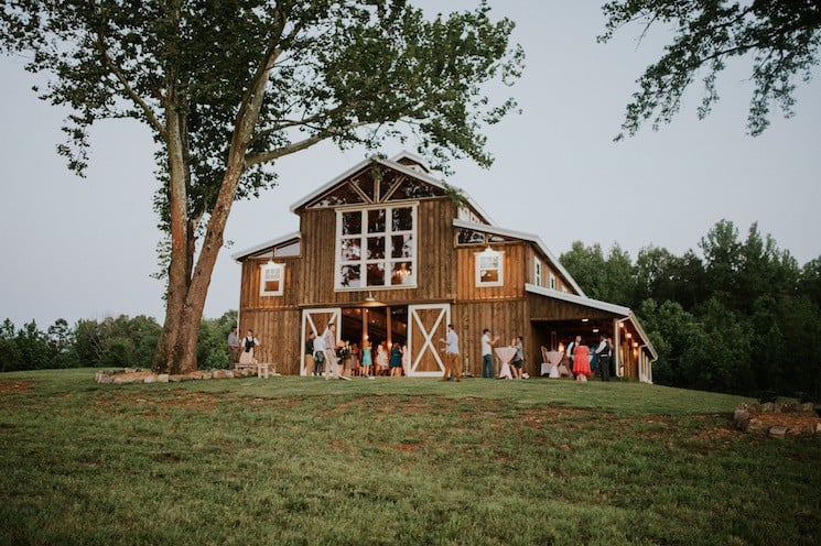 Barn Wedding Venues - Our 10 favorite woodsy wedding spots