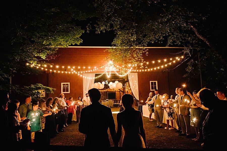 Barn Wedding Venues - Our 10 favorite woodsy wedding spots