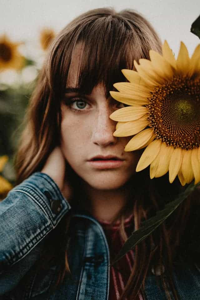 Graduation Photos of a girl in a sunflower field