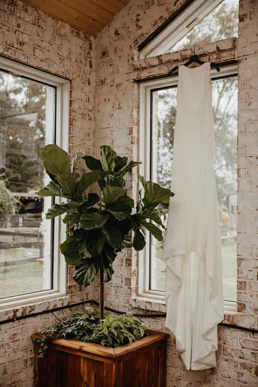 Barn Wedding Louisiana - A Woodsy & Dreamy Day In The ...