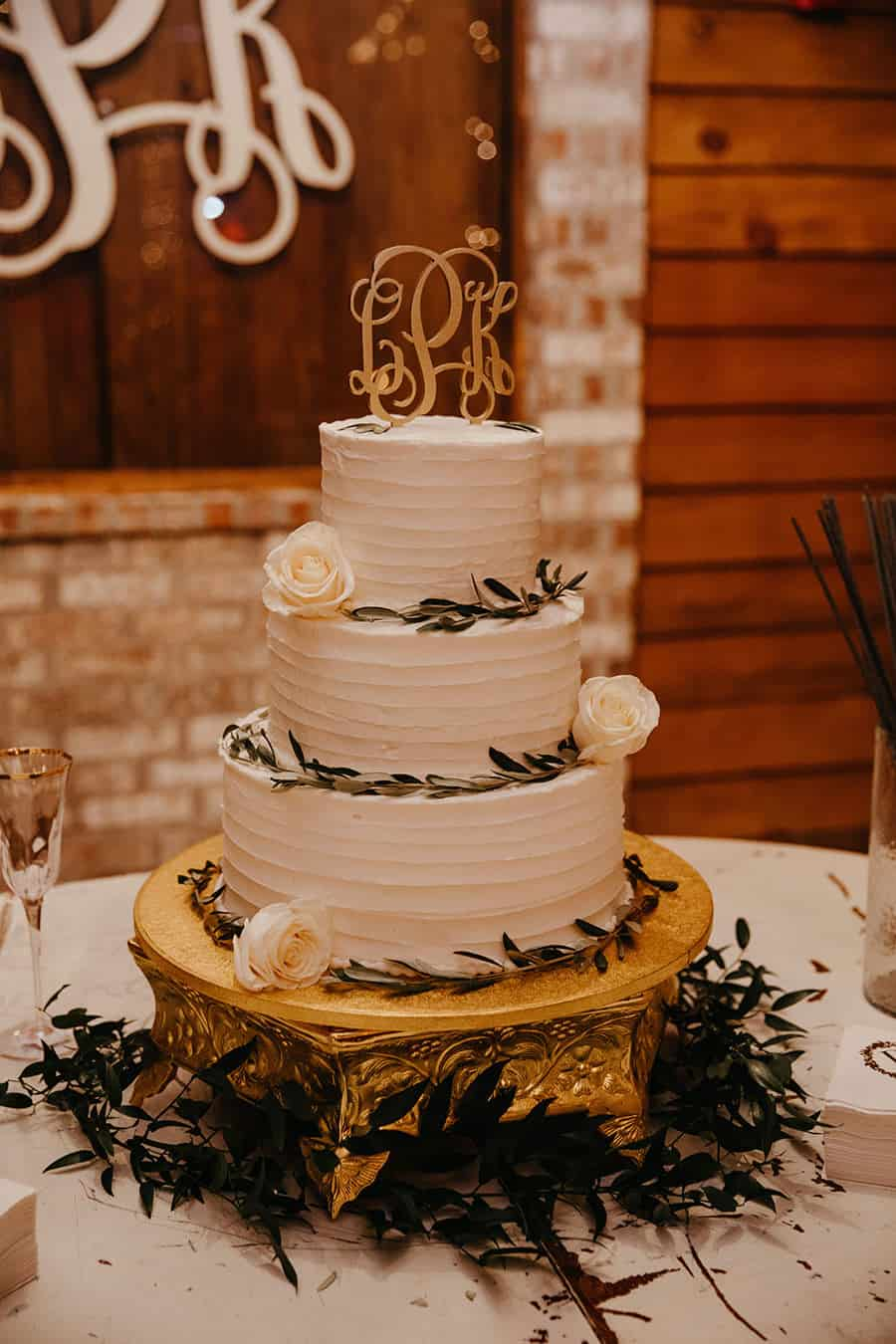 A Woodsy & Dreamy Barn Wedding In Louisiana