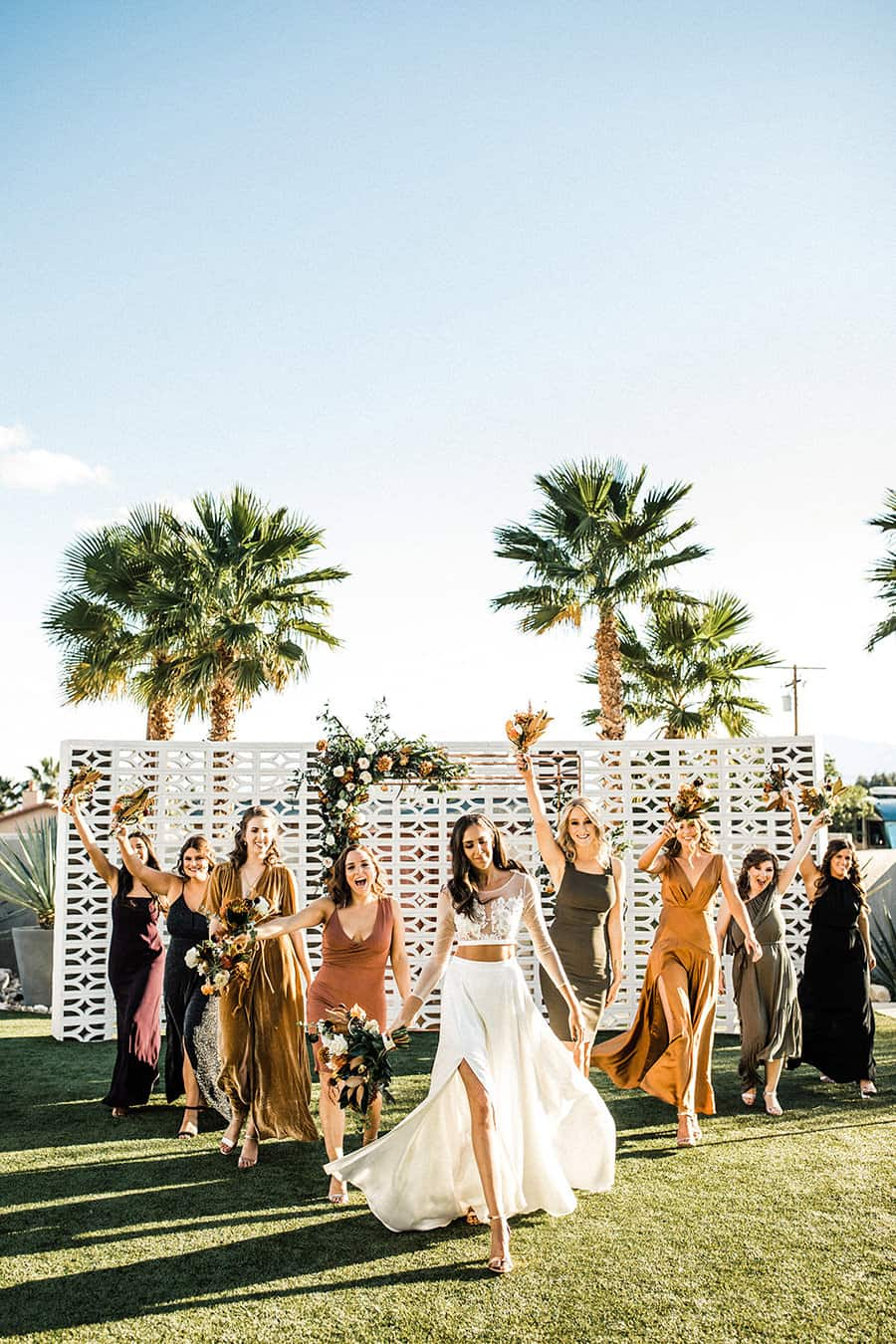 15 Epic Wedding Party Pictures You Definitely Want To Recreate