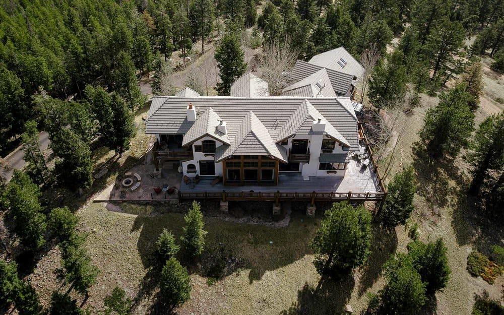 Unique & Woodsy - A Barn Wedding in Colorado