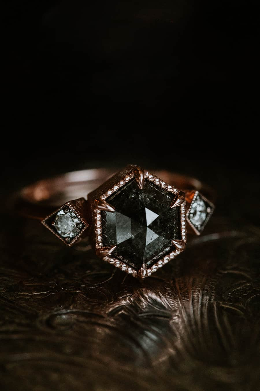 10 Incredibly Beautiful Wedding Ring Photos For Your Wedding