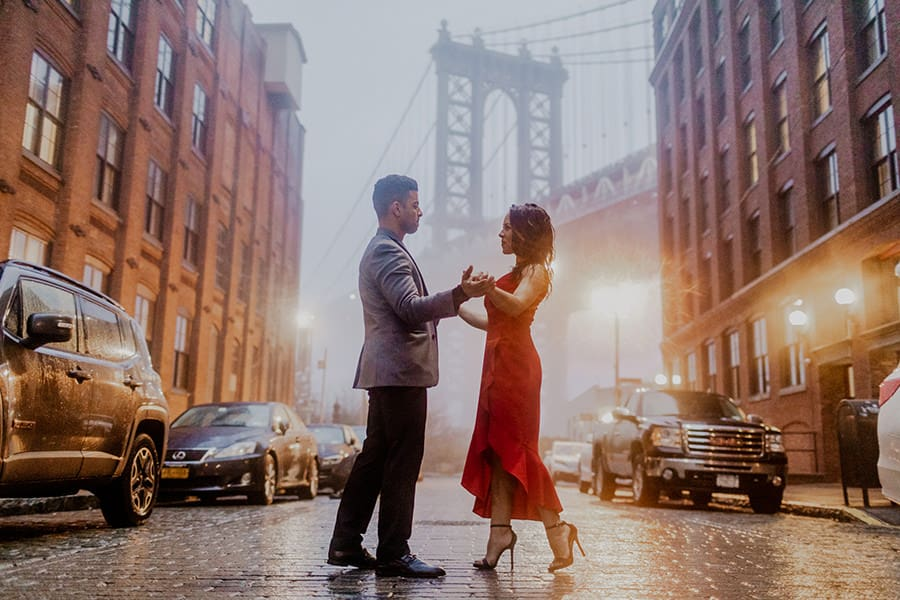 Couple Poses in front of the Manhattan Bridge
