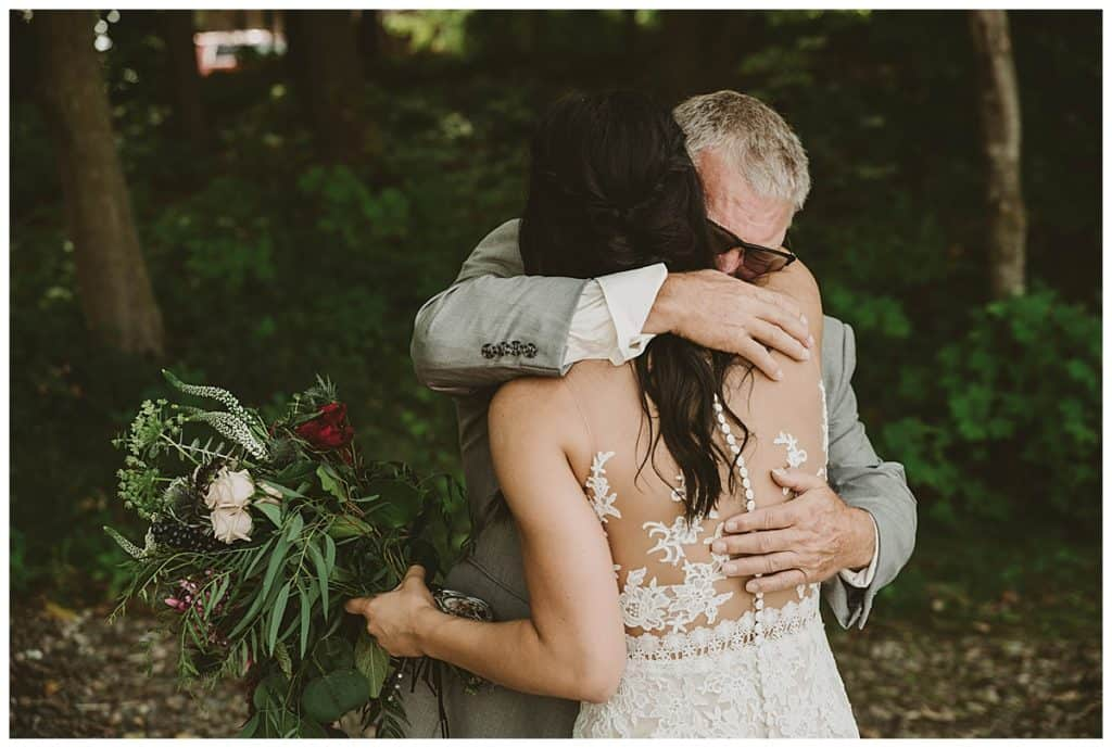 A Beautiful Rustic Barn Wedding In Minnesota