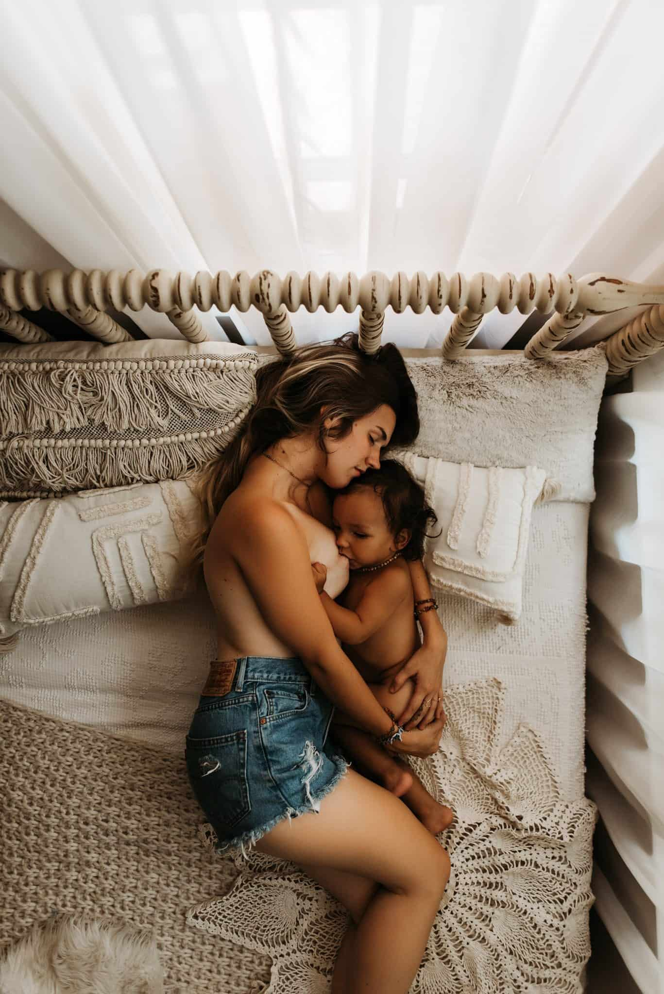 The Most Beautiful Breastfeeding Photos Of 2019