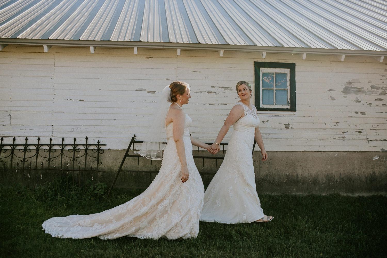 Amazing Garden Wedding On A Farm In Illinois