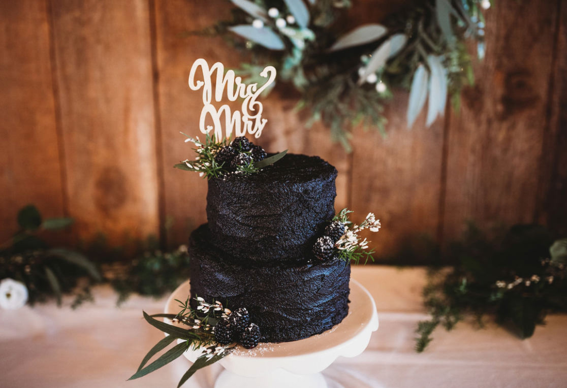 A Perfect And Snowy Wedding Day At A Black Barn