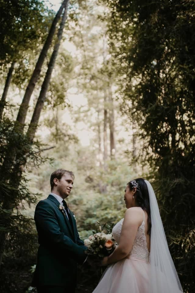 Wedding Couple holding hands at Glen Oaks Big Sur