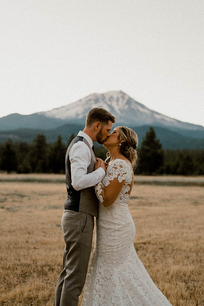Kissing Couple in front of Mount Shasta