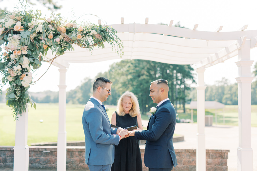 A wedding couple is getting married at the Blue Heron Pines Gold Club in New Jersey.