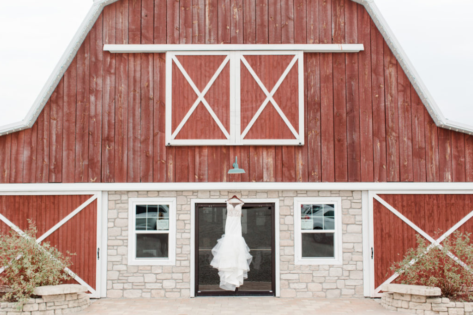 The Barn at Lone Eagle Landing is located in Sainte Genevieve, Missouri.